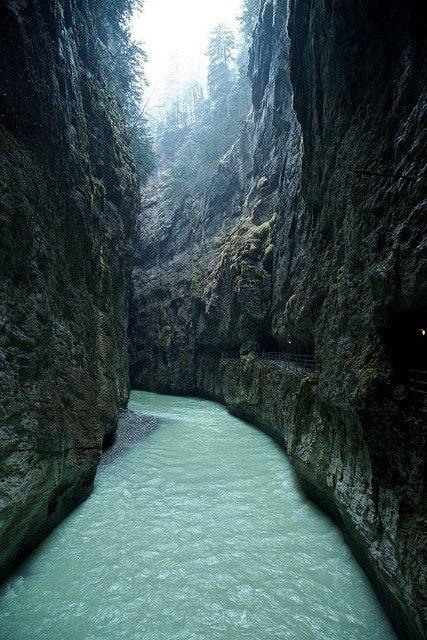 Aar Gorge