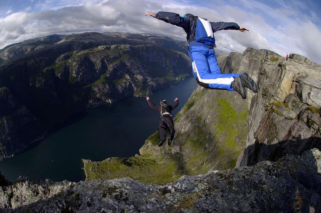 basejumping, bucket list
