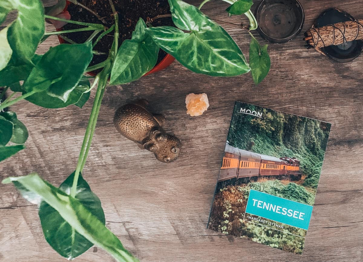 moon tennessee guidebook