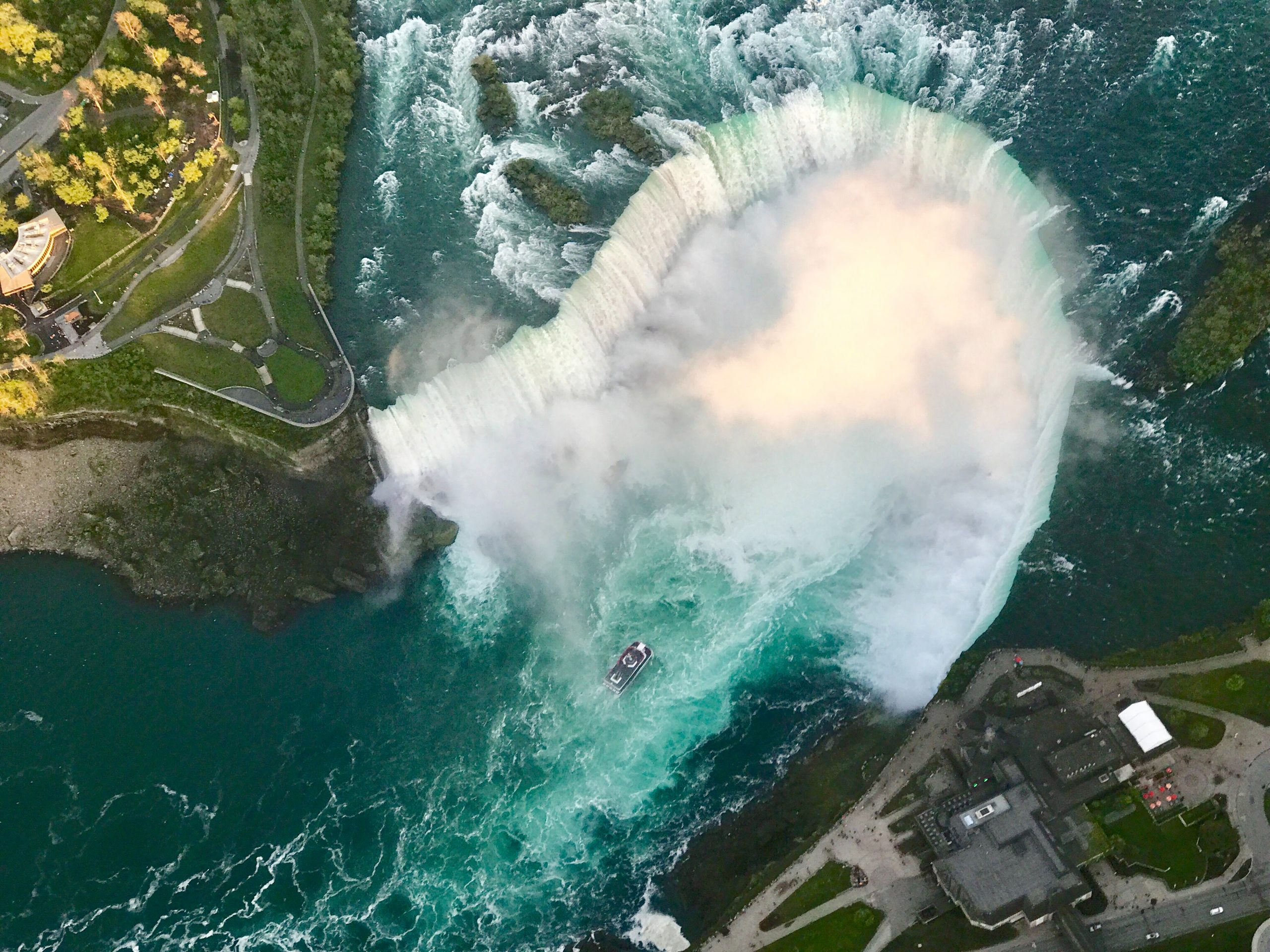 niagara falls hotels with view of the falls