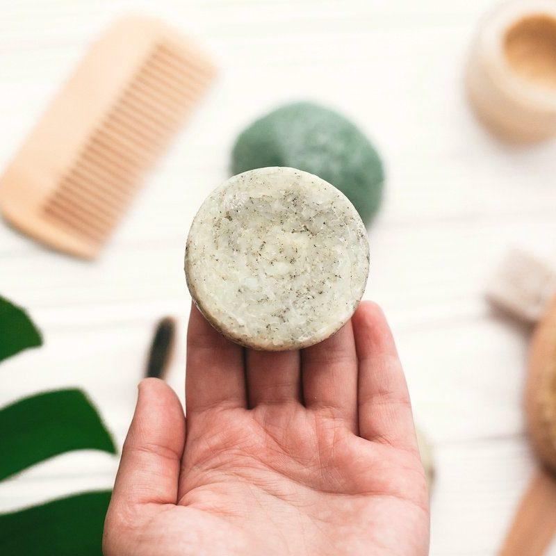 The Best Vegan & Zero Waste Shampoo Brands (and a DIY recipe!)